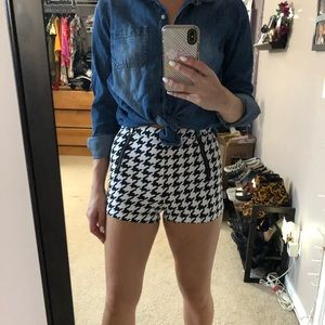 Houndstooth Hotpants